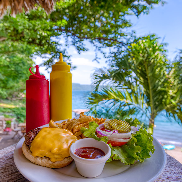 Burger Paradiso Nicaragua Laguna de Apoyo Resort Lodge